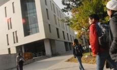 Students on the UTSC campus