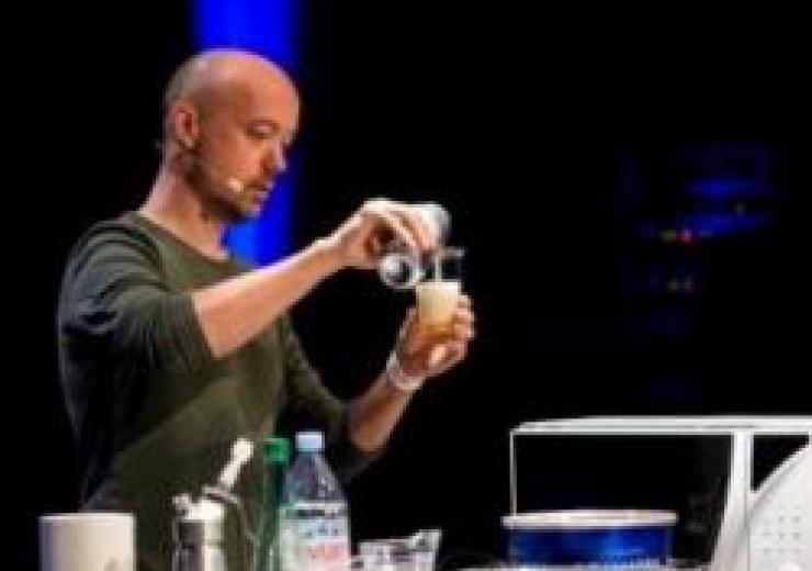 Picture showing Christophe doing molecular gastronomy