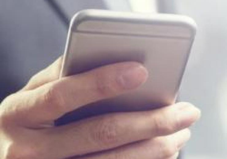 hand holding cellphone