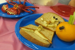 Anyone want a spider apple and skeleton sandwich for lunch?