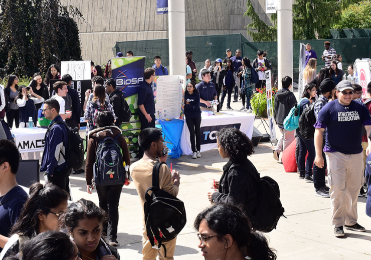 Large crowd of U of T Scarborough students at an event
