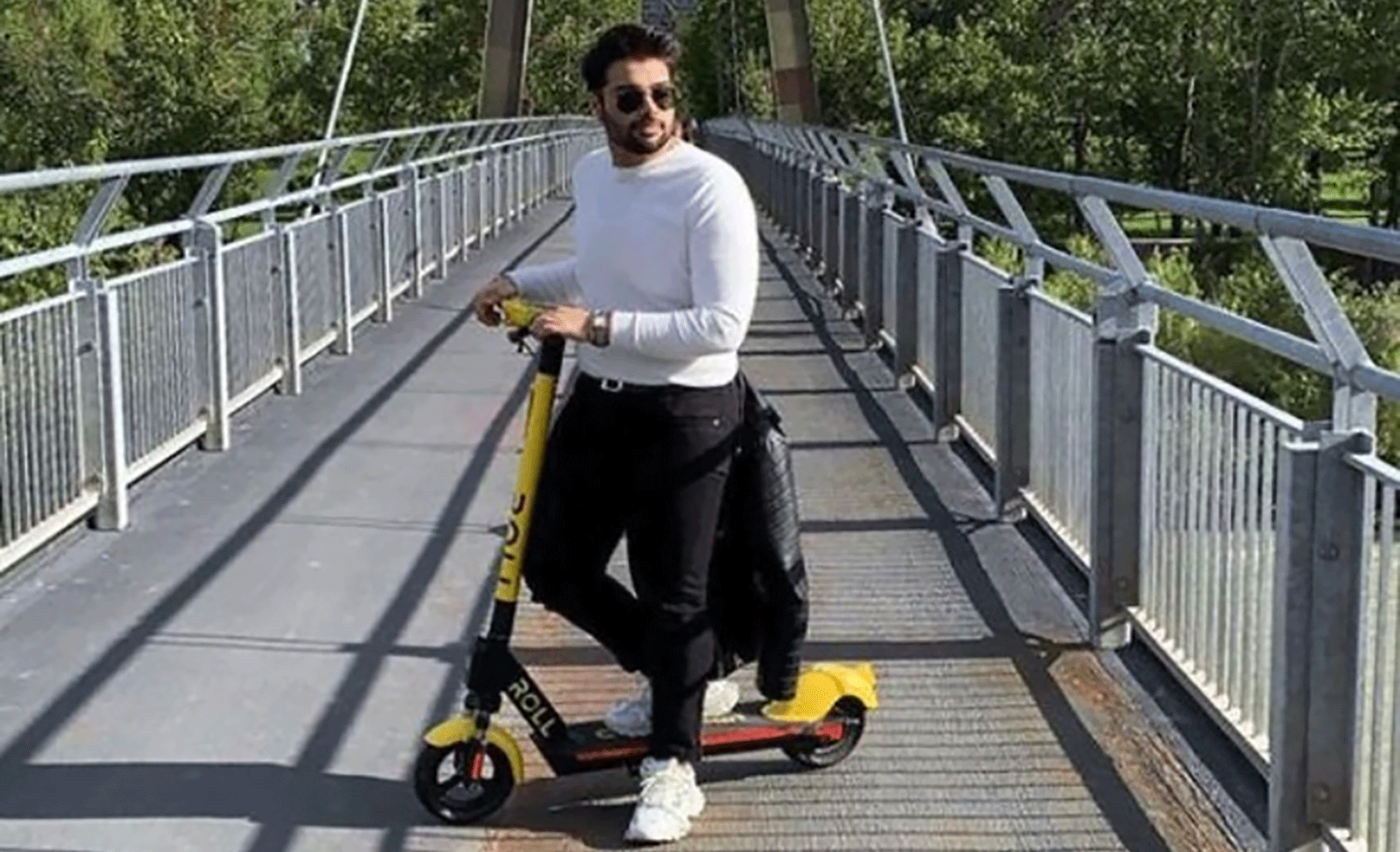 Roll E-Scooters